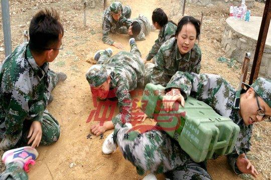 北京军训:直面困难,战胜自己!