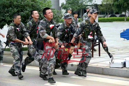 北京军训公司:拓展训练让团队合作更密切